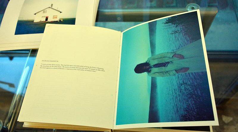 "ARNES – wystawa w Galerii Fotografii ,,Ratusz"""