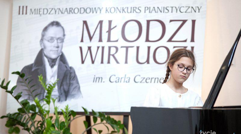 Młodzi pianiści z całej Polski i Ukrainy na konkursie w Zamościu