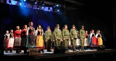 11 listopada 2013 r.koncert z okazji Święta Niepodległości W ŻOŁNIERSKIEJ PIEŚNI Zamość ZDK