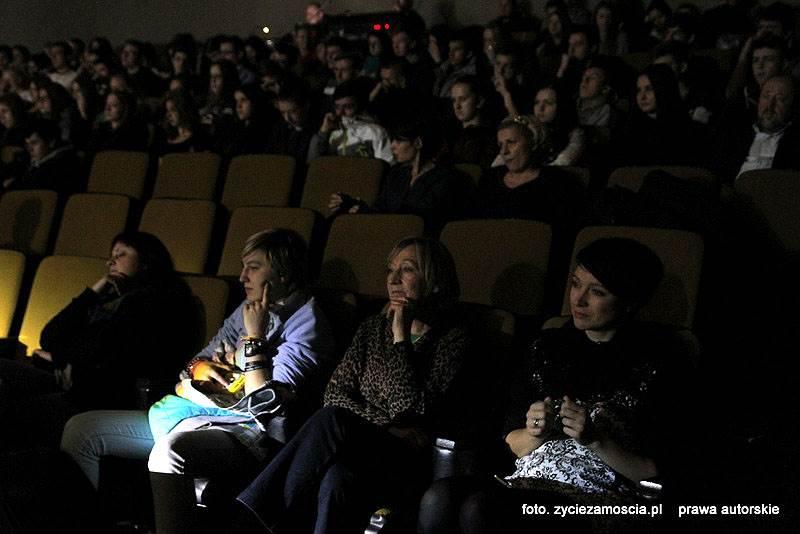 "JACEK DEWÓDZKI & KONTRABANDA – koncert ""Nałogi – droga do nikąd"""