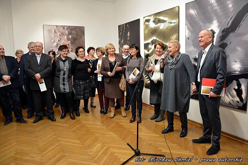 """""""Zobaczyć naturę"""" – wystawa fotografii Elżbiety Dzikowskiej"""