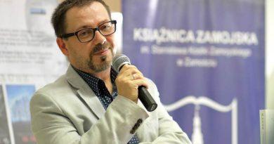 Spotkanie autorskie z Tomaszem Białkowskim w Książnicy Zamojskiej