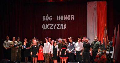 """Zamość – ,, Bóg Honor Ojczyzna"""" koncert  niepodległościowy"""