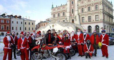 Jarmark Świąteczny na Rynku Wielkim w Zamościu i motomikołaje