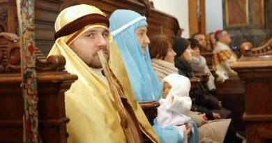 Orszak Trzech Króli w Zamościu: Święta Rodzina – Anna i Sebastian Telenga