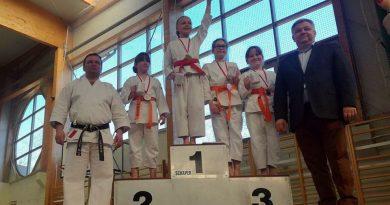 Medale zamojskich karateków