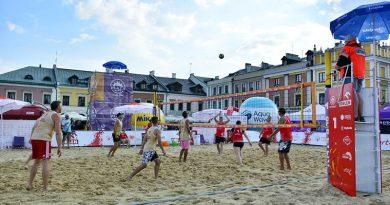 Żeńskie i męskie półfinały na zamojskiej Plaży Open