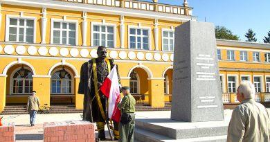 Oficjalne odsłonięcie pomnika Marszałka