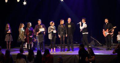 Gwiazdy disco polo zagrały na koncercie dla Maszewskich