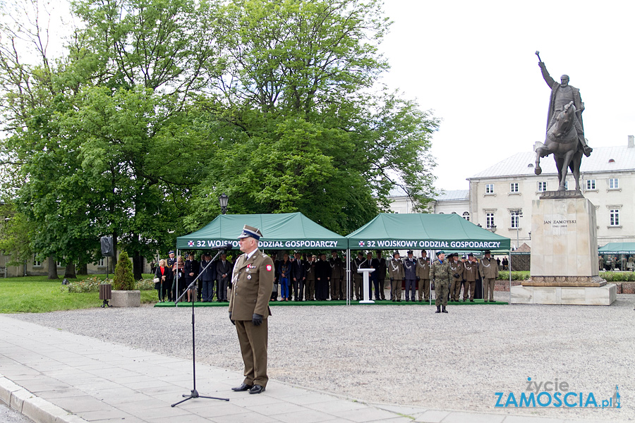 Hetman Zamoyski oficjalnie patronem 32. WOGu – apel i defilada
