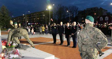 101. rocznica odzyskania niepodległości – uroczystości pod pomnikiem Marszałka