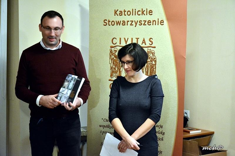 O cmentarzu w Łabuniach z dr Agnieszką Szykułą-Żygawską