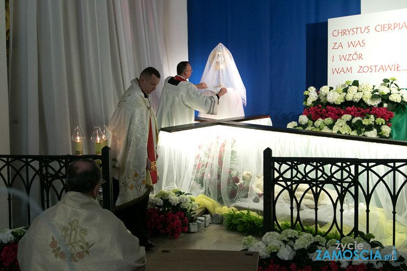 Wielki Piątek – dzień Krzyża, misterium Męki i Śmierci Pańskiej