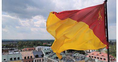 25 lat flagi miejskiej Zamościa – rozmowa o jej powstaniu i eksponowaniu