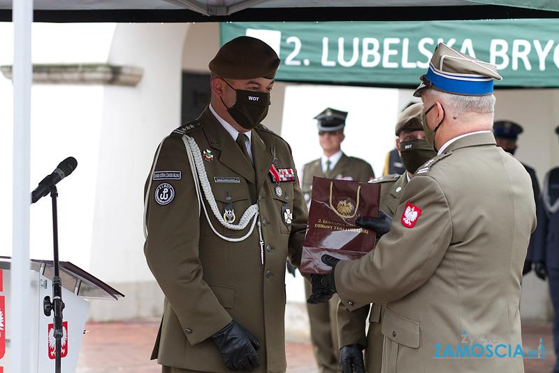 Uroczyste obchody święta Wojsk Obrony Terytorialnej wZamościu