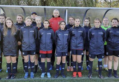 Juniorki UKP Suchowiczteam z awansem