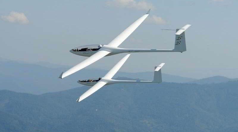 Zaproszenie na wystawę modelarstwa lotniczego i kosmicznego